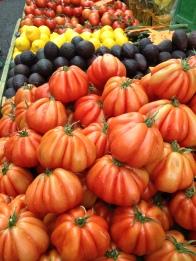 Coeur de Boeuf Tomatoes, L'Isle Sur La Sorgue market