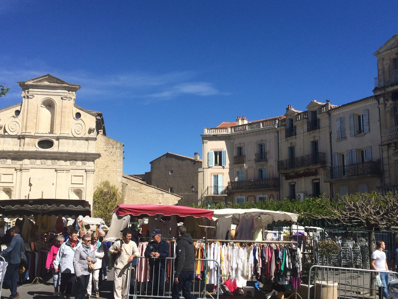 A market, a Citadelle & difficulties with what to wear.